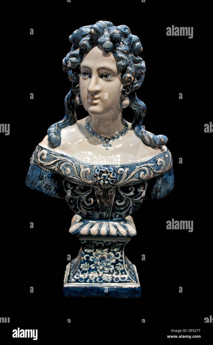 Bust of Mary Stuart Queen of Scots Scotland  ( Delft tin glazed earthenware faïence ) De Grieksche A - Samuel - Stock Image