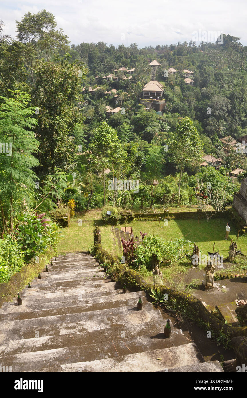 near Ubud (Bali, Indonesia): the Ubud Hanging Gardens Hotel, seen from the Hindu temple that faces it - Stock Image