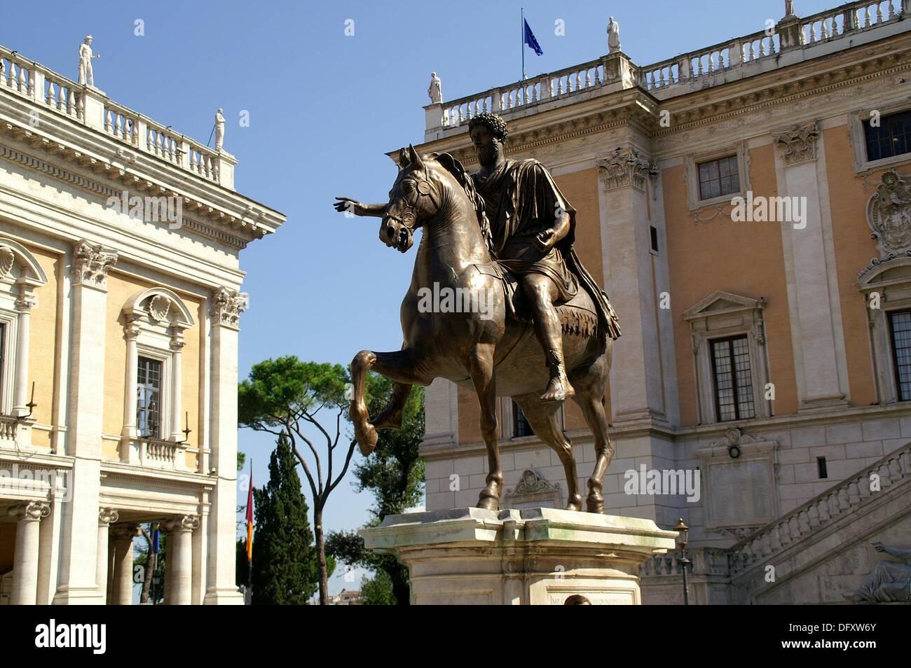 Roma Italia Estatua ecuestre del Emperador Marco Aurelio en la Stock ...