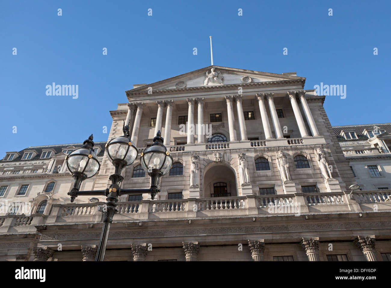The Bank of England building in the City of London, England - Stock Image