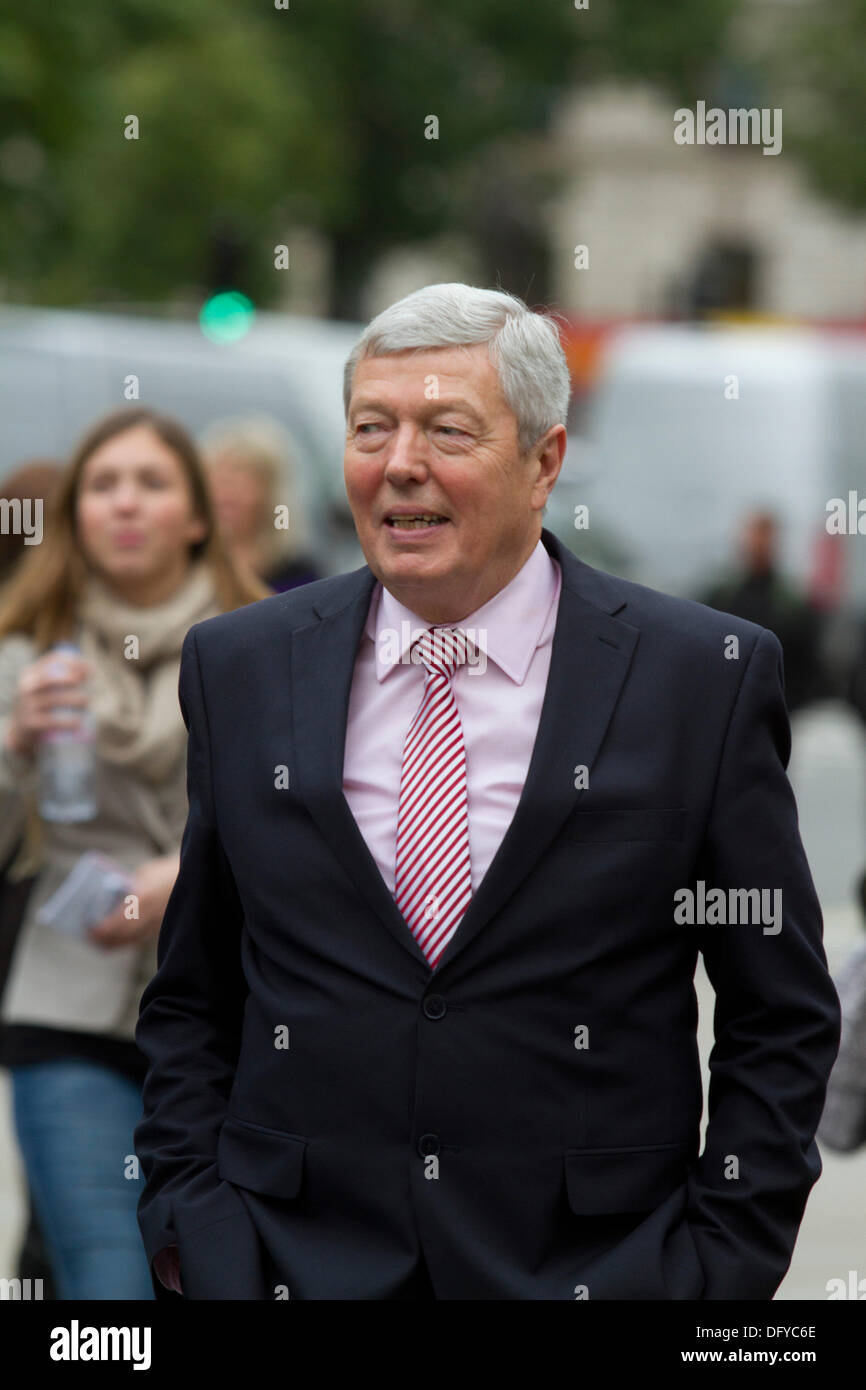Westminster London, UK. 10th Oct, 2013. Alan Johnson is a British Labour politician and a member of parliament for West Hull and Hussle who served as Home secretary from 2009-2010 Credit:  amer ghazzal/Alamy Live News - Stock Image