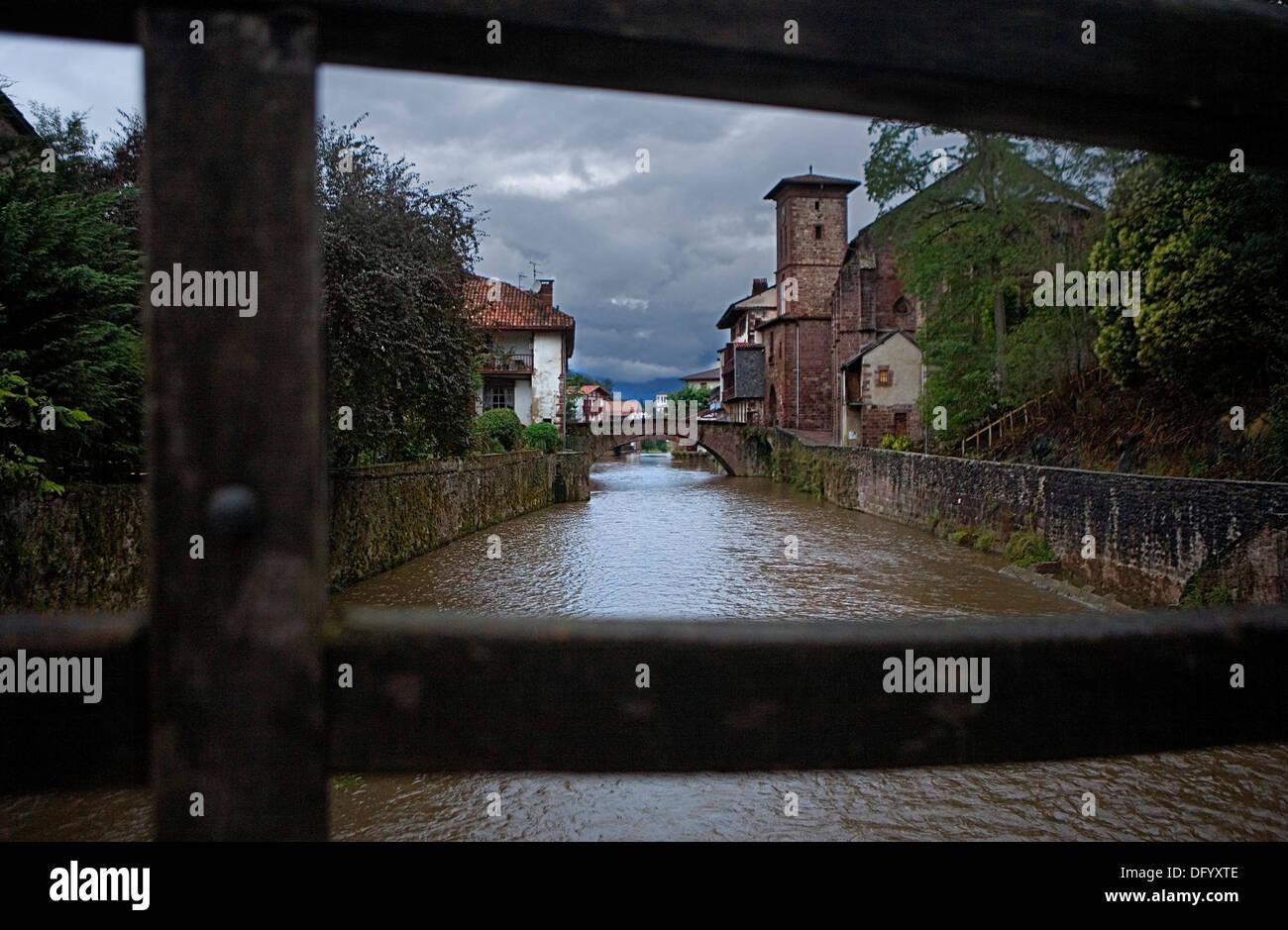Nive river. Saint-Jean-Pied-de-Port. Aquitaine. France. Camino de Santiago - Stock Image