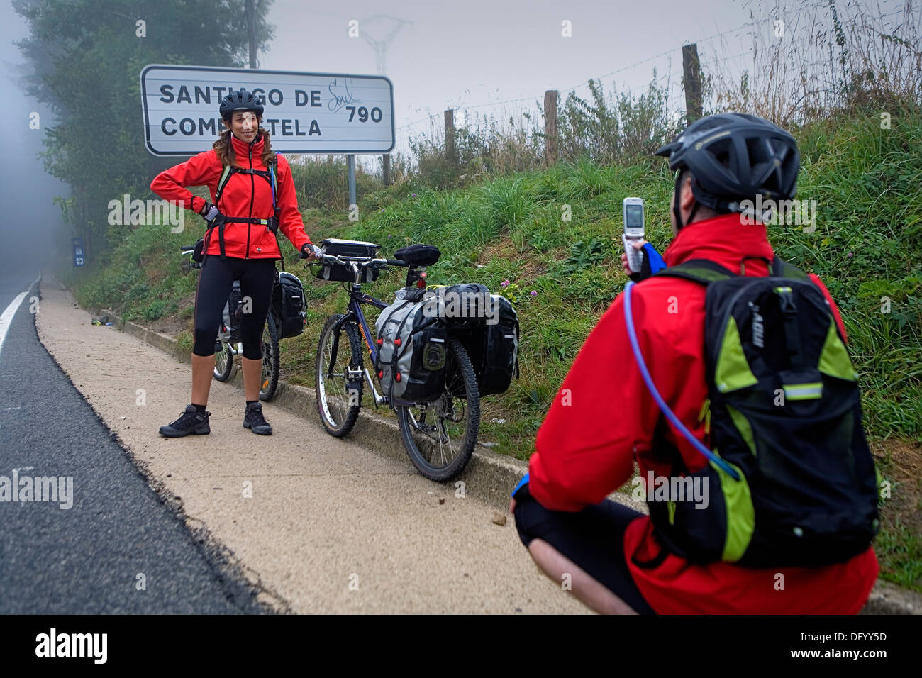 Pilgrims. Roncesvalles-Orreaga. Navarra. Eva y Gerardo. gerarquin@yahoo.es.Spain. Camino de Santiago - Stock Image