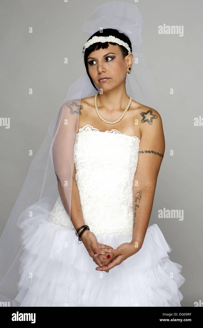Punk Bride in her late 20s in a studio setting Stock Photo: 61473315 ...
