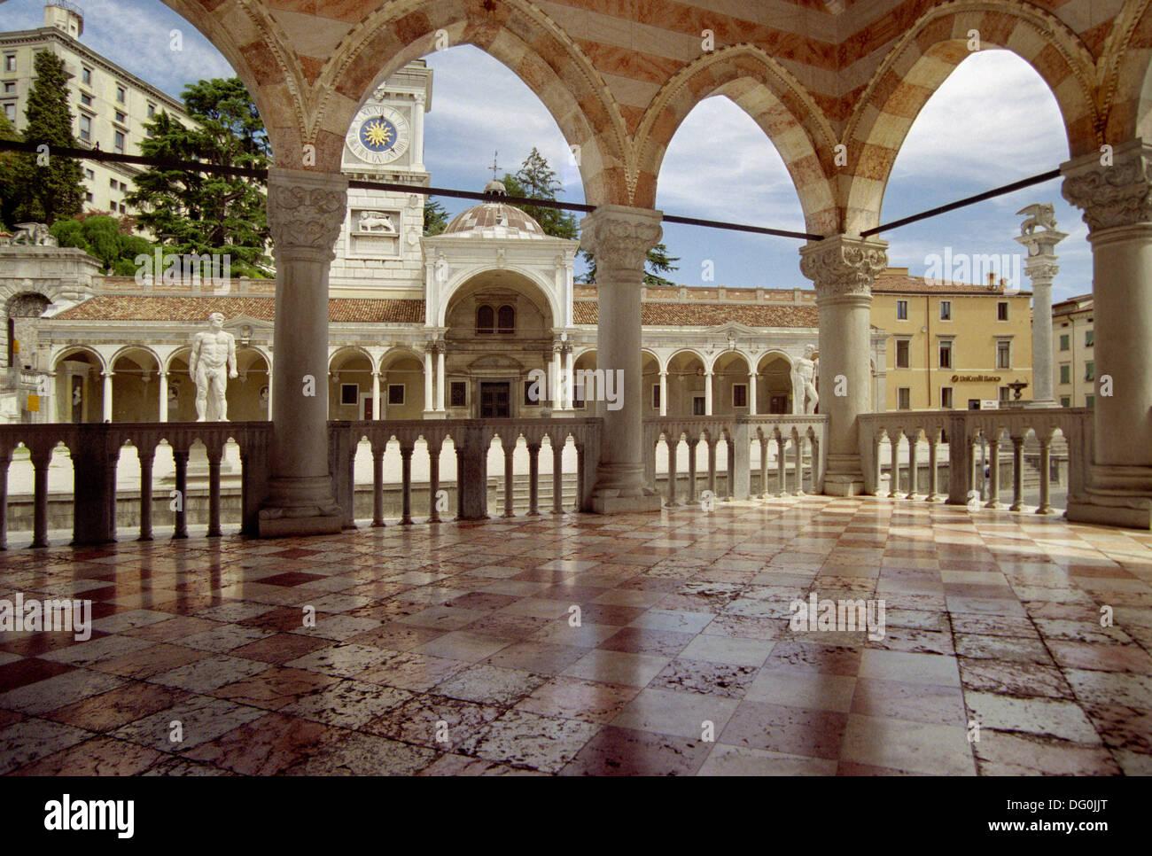 Italy, Friuli Venezia Giulia, Udine, Piazza della Libertà, Loggia del Lionello, Lionello Lodge. - Stock Image