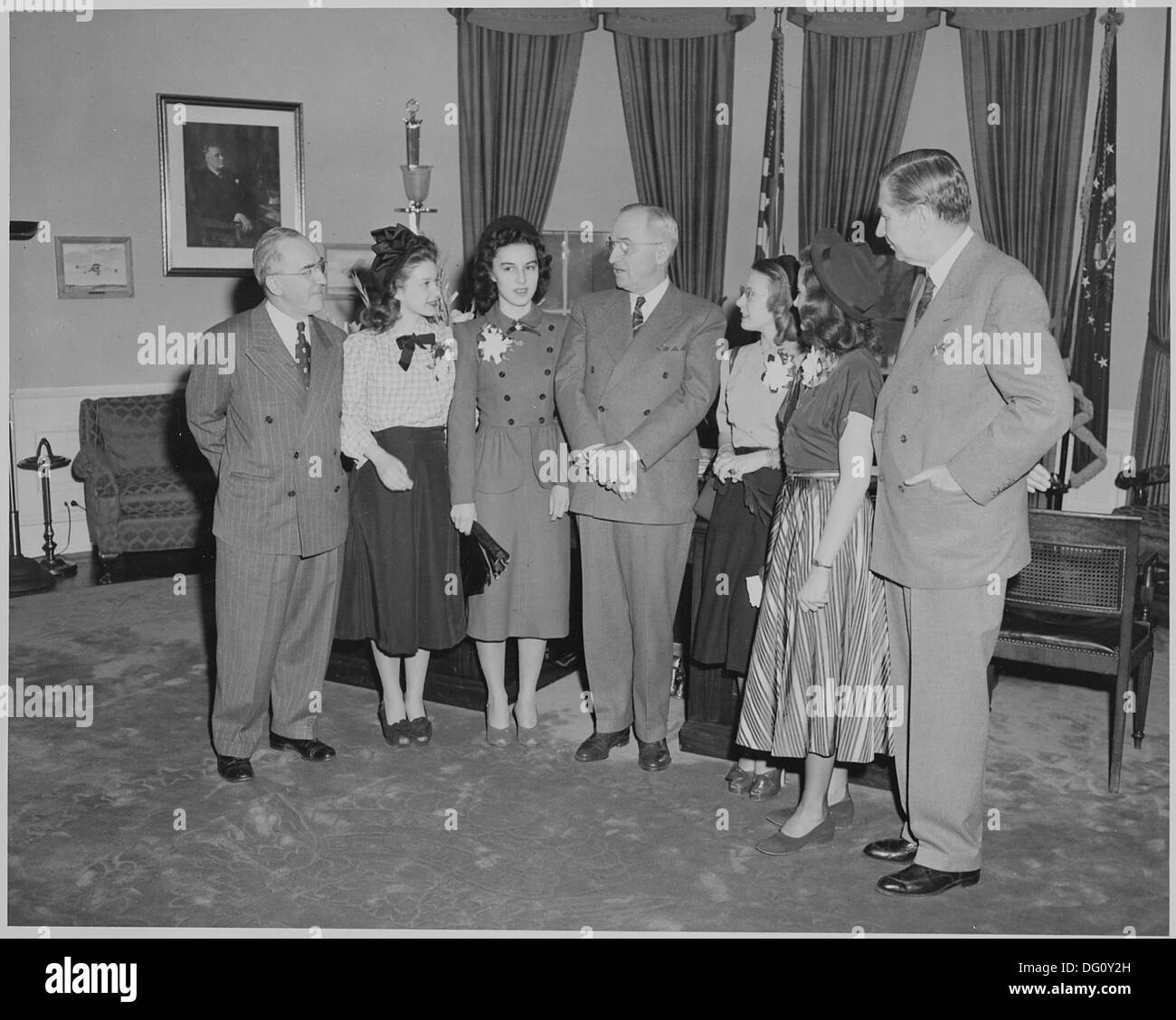 President Truman greets winners of the Voice of Democracy contest. L to R, Dr. John W. Studebaker, Janet Gerster... 199641 - Stock Image