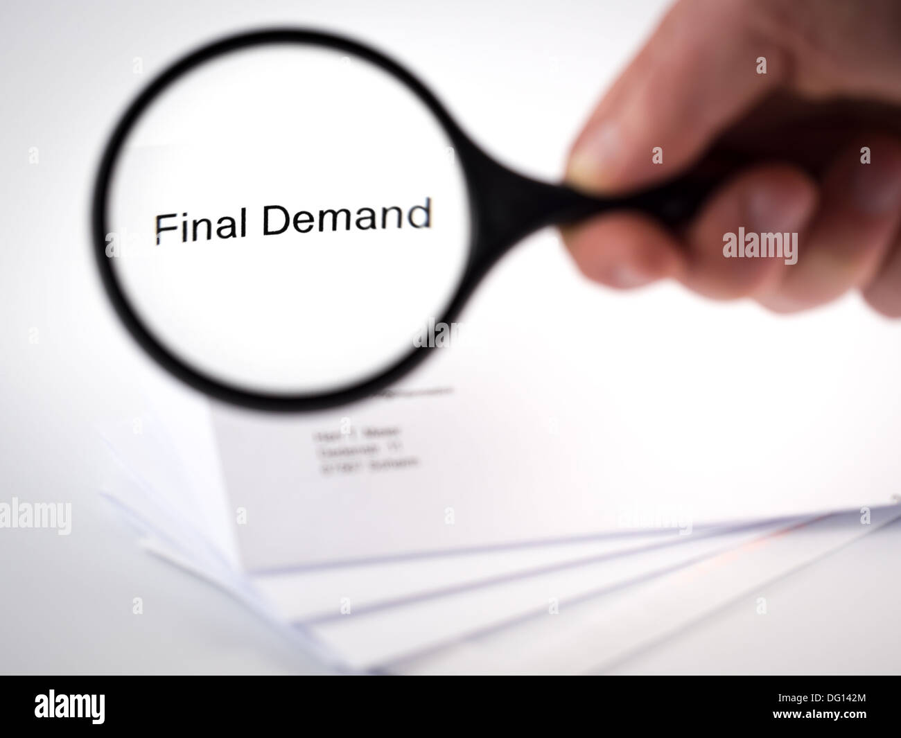 Cover letter with the words Final Demand in the letterhead - Stock Image