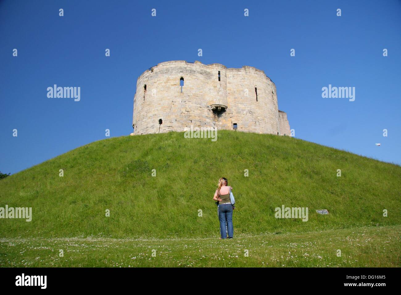 York´s clifford tower stands on a biblical site in York. On this location, rathern than surrendering to the Romans and their - Stock Image