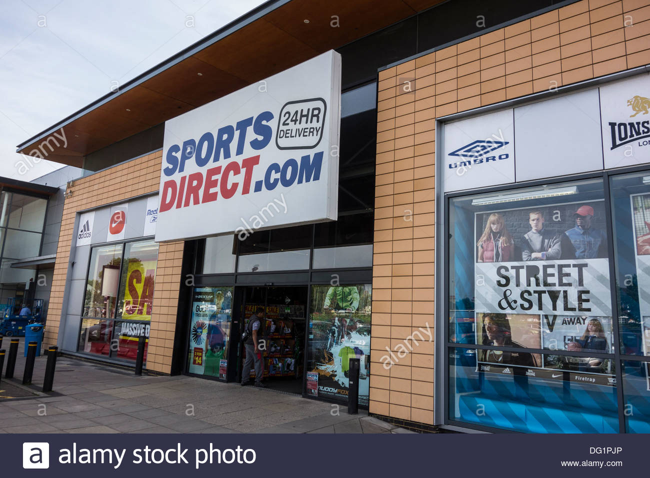 sports direct store stock photos sports direct store stock images alamy. Black Bedroom Furniture Sets. Home Design Ideas