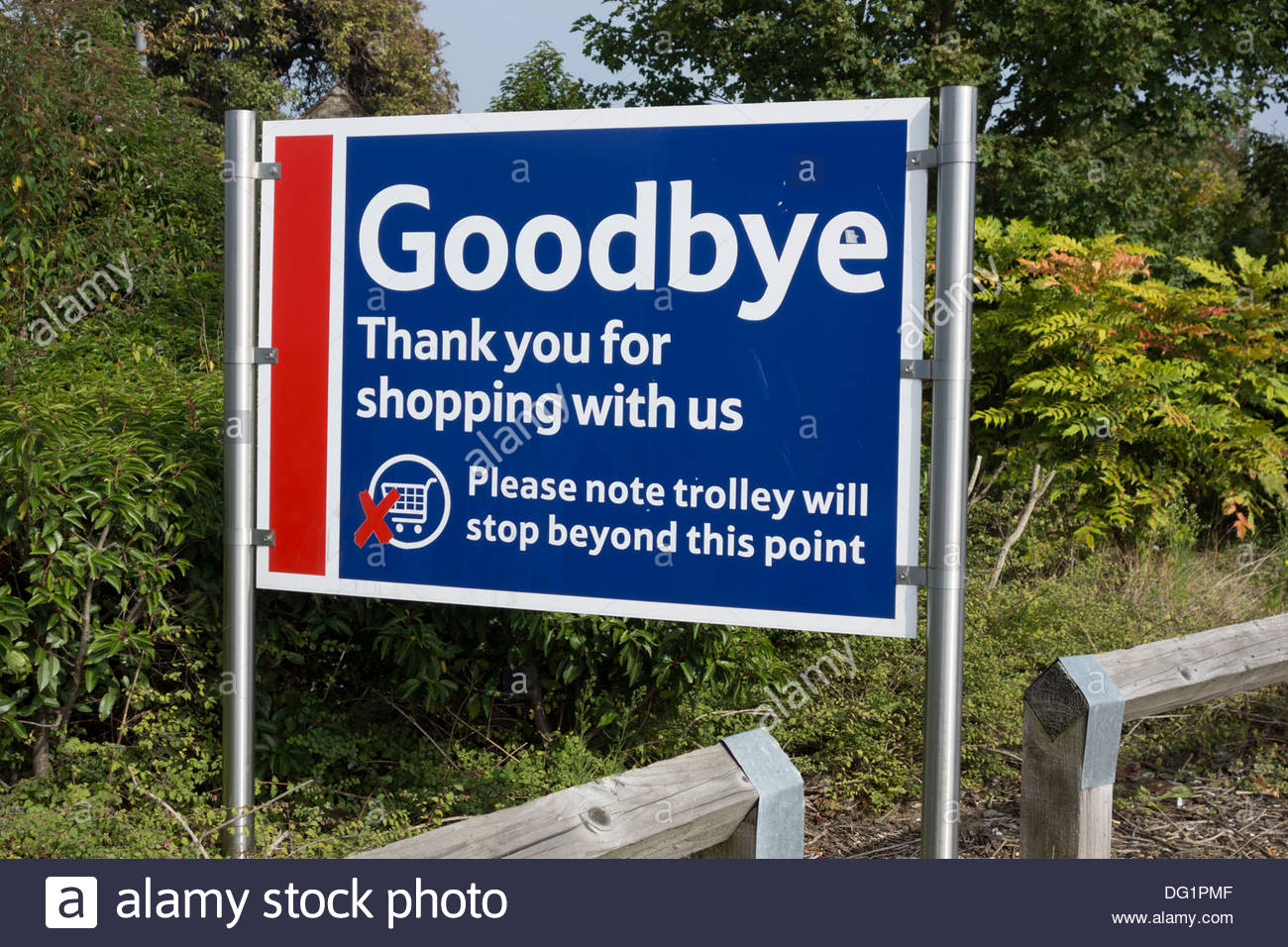 Goodbye, thank you for shopping with us sign at the Tesco supermarket on Newmarket Road, Cambridge - Stock Image