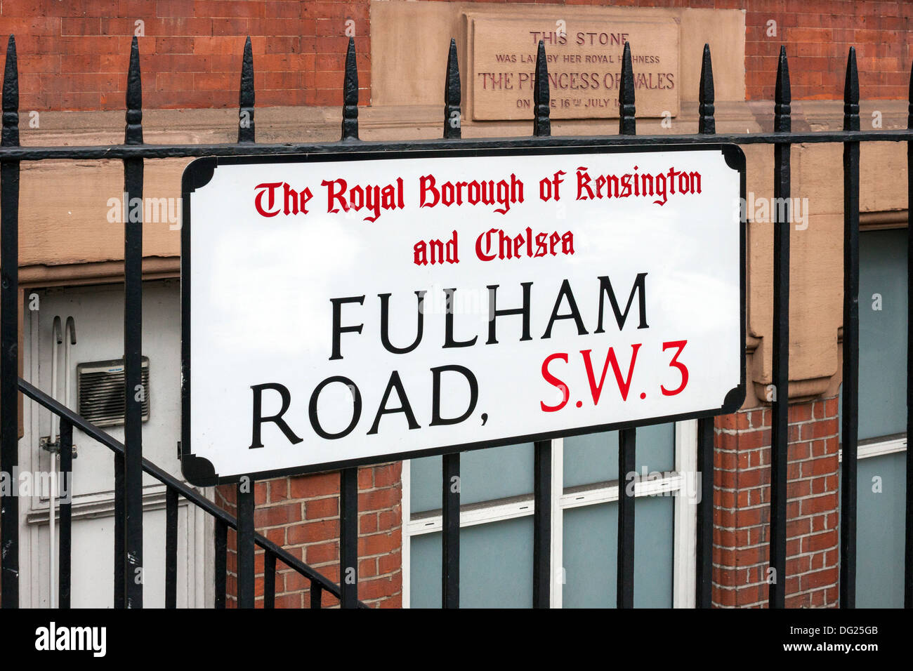 Fulham Road road sign - Stock Image