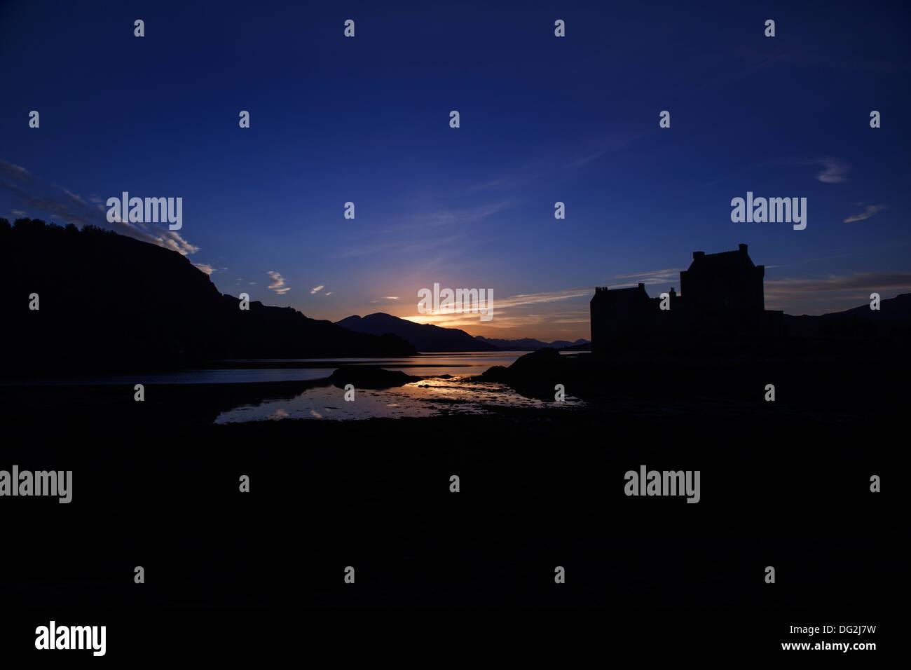 Sunset at Eilean Donan Castle, Scottish Highlands, Dornie, Kyle of Lochalsh - Stock Image