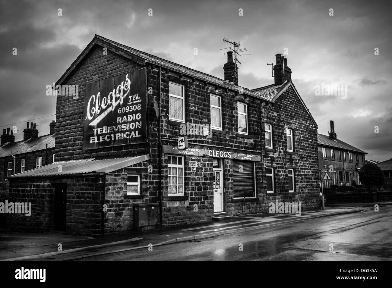 Traditional Yorkshire - Ilkley in the rain - Stock Image
