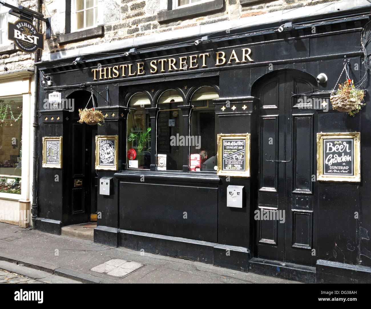 Thistle st bar in Edinburgh - Traditional city centre Scottish Bellhaven brewery pub Scotland, UK - Stock Image