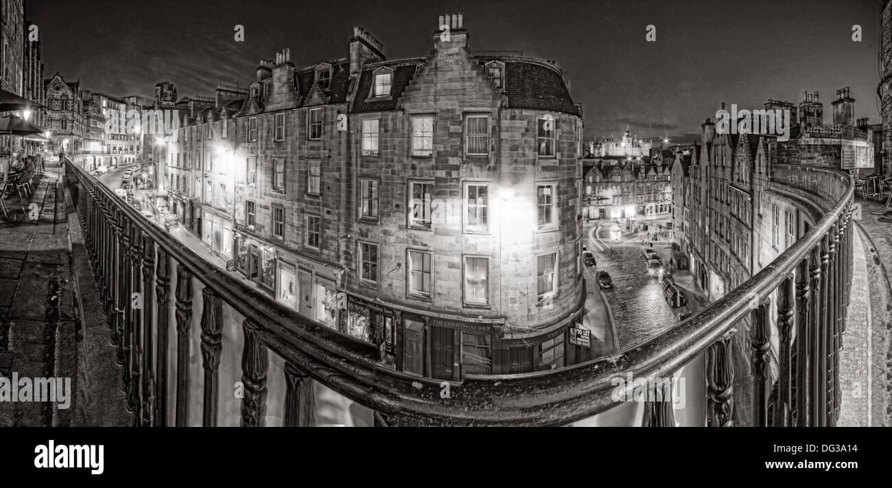Mono Edinburgh City Panorama from Victoria St Old Town, Scotland, UK at night - Stock Image