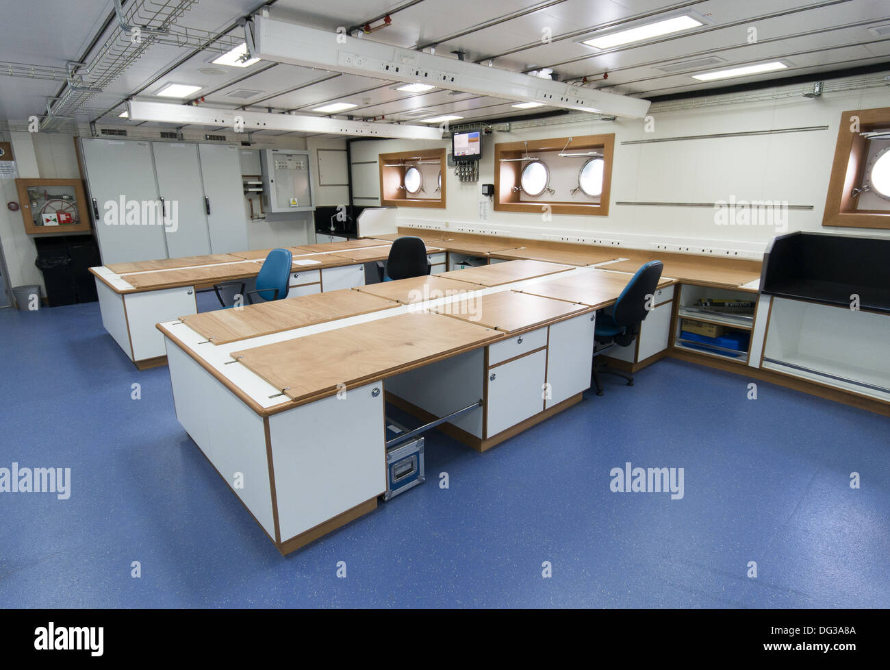 Lab interior on the new RRS Discovery at home in Empress Dock next to the National Oceanography Centre, Southampton, UK - Stock Image