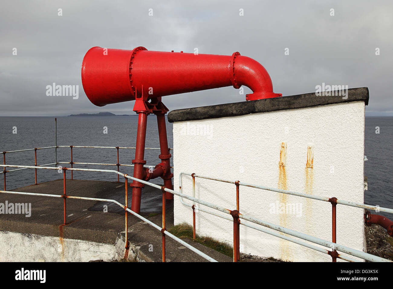 Fog Horn At Ardnamurchan Point in the Scottish Highlands. - Stock Image