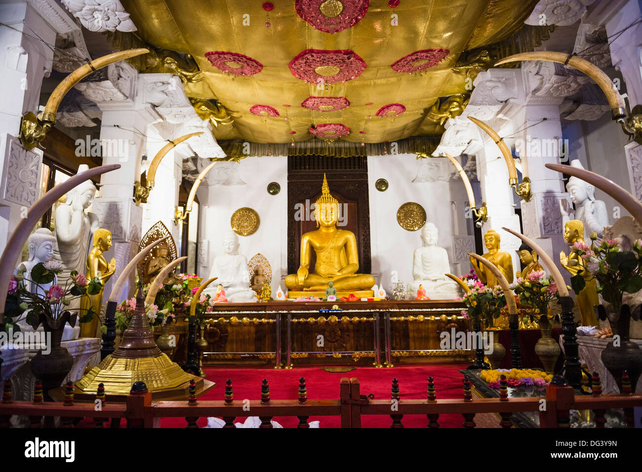 Places Of Worship Sacred To Buddhism Stock Photos & Places