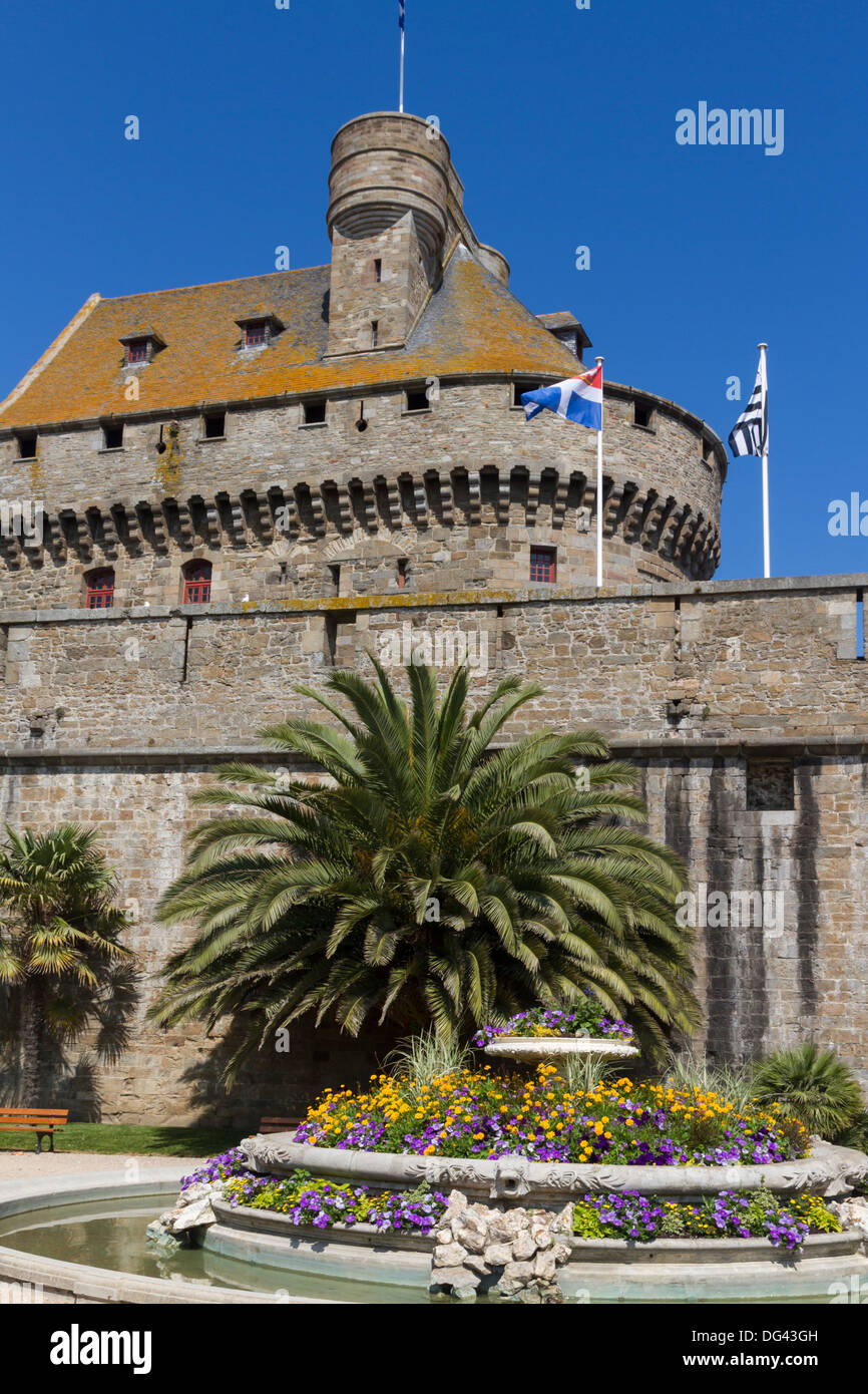 Chateau and Walled city, St. Malo, Brittany, France, Europe - Stock Image