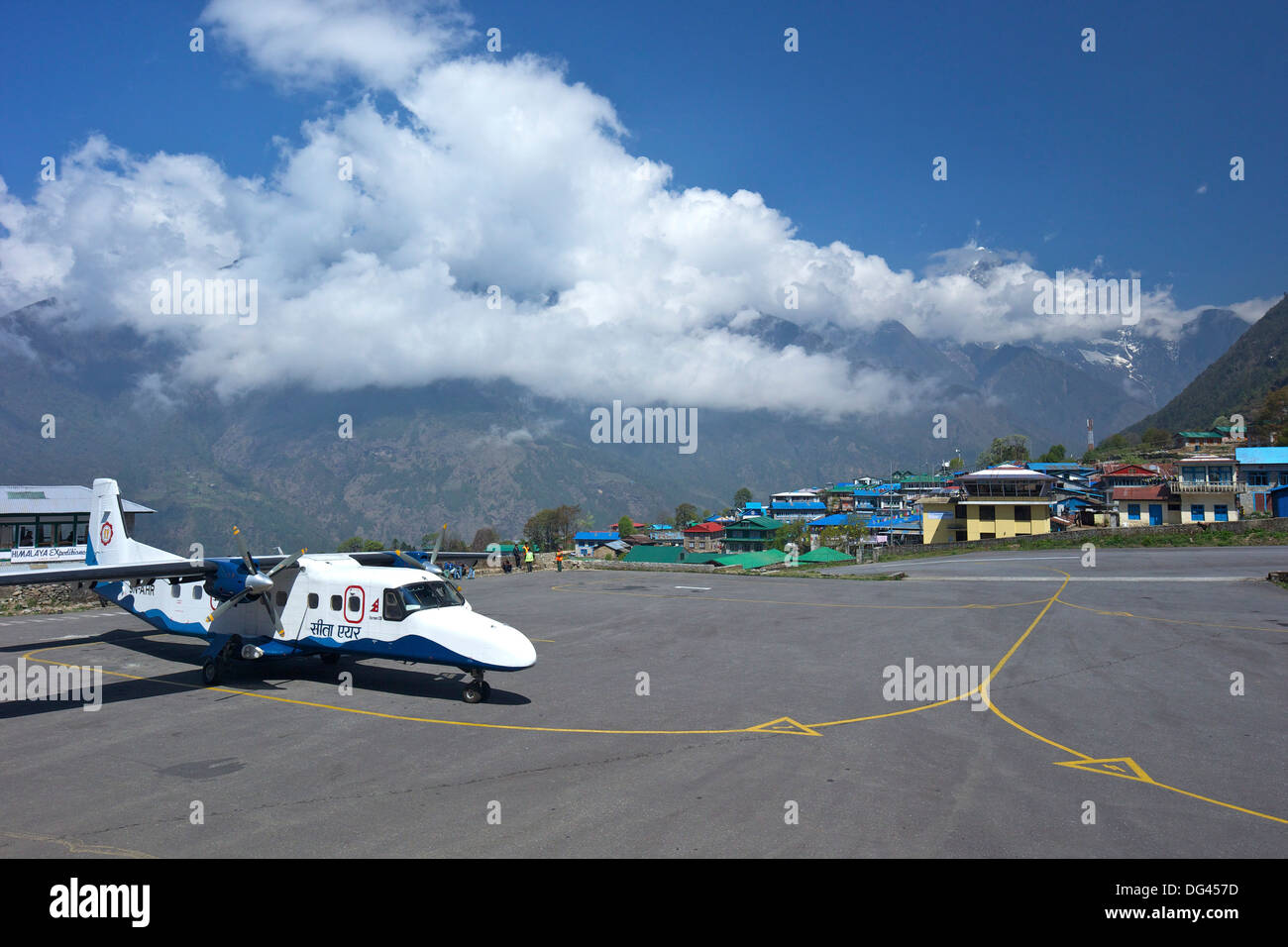 Sita Air Dornier 228 Aircraft approaching runway, Tenzing-Hillary Airport, Lukla, Nepal, Asia - Stock Image