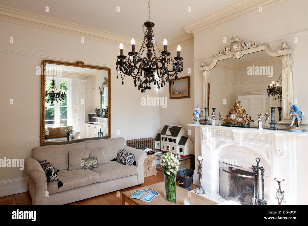 Large Lounge Room English Country House Stock Photo Alamy