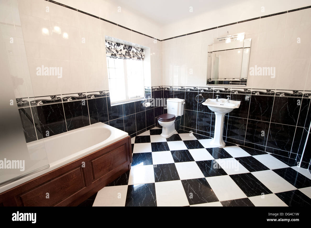 Washroom Bath Tub Geopic Stock Photos & Washroom Bath Tub Geopic ...