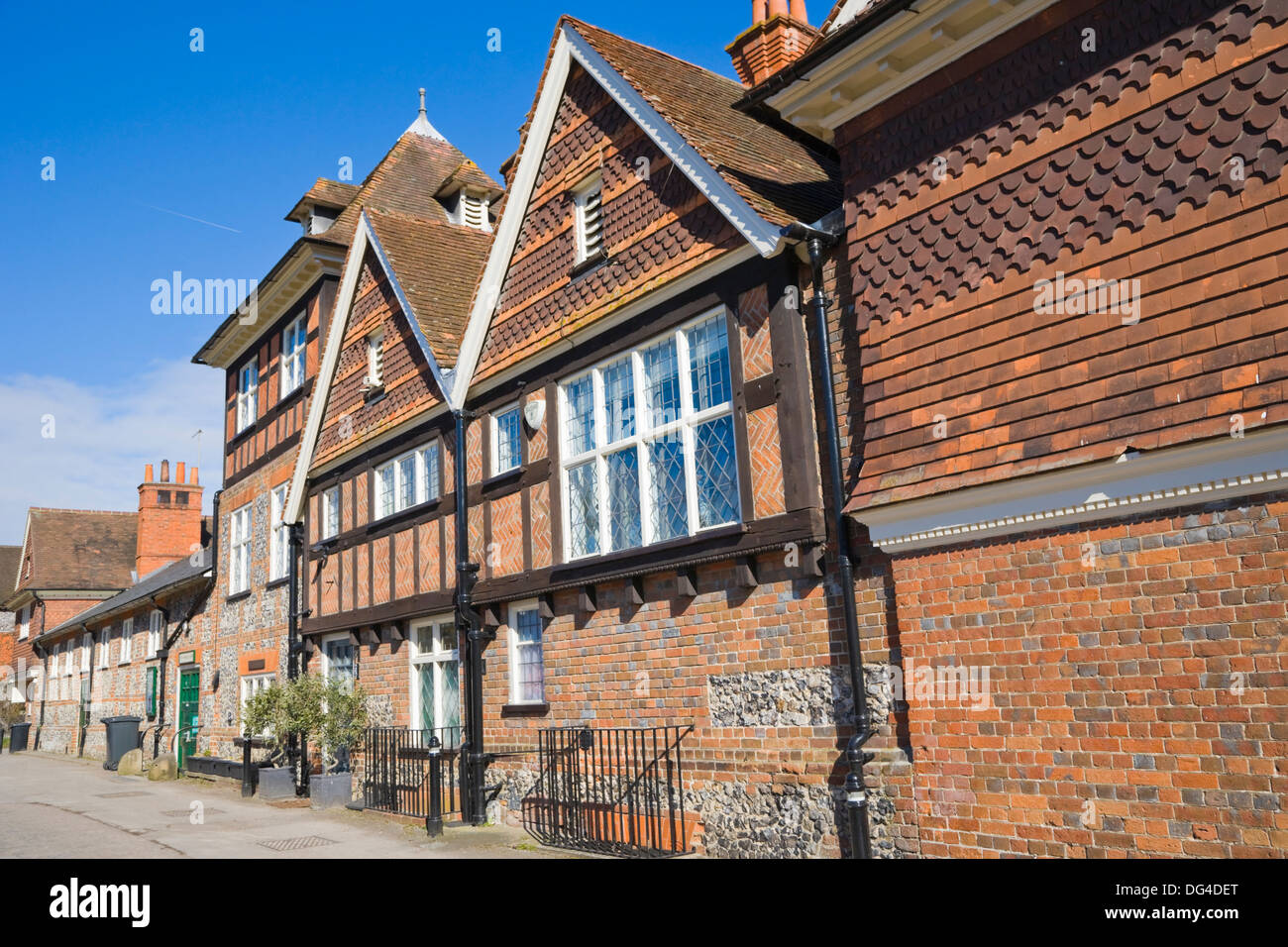 Church Lane with Morrell Room Cottage. Village Hall. Streatley. Berkshire. England. UK. - Stock Image