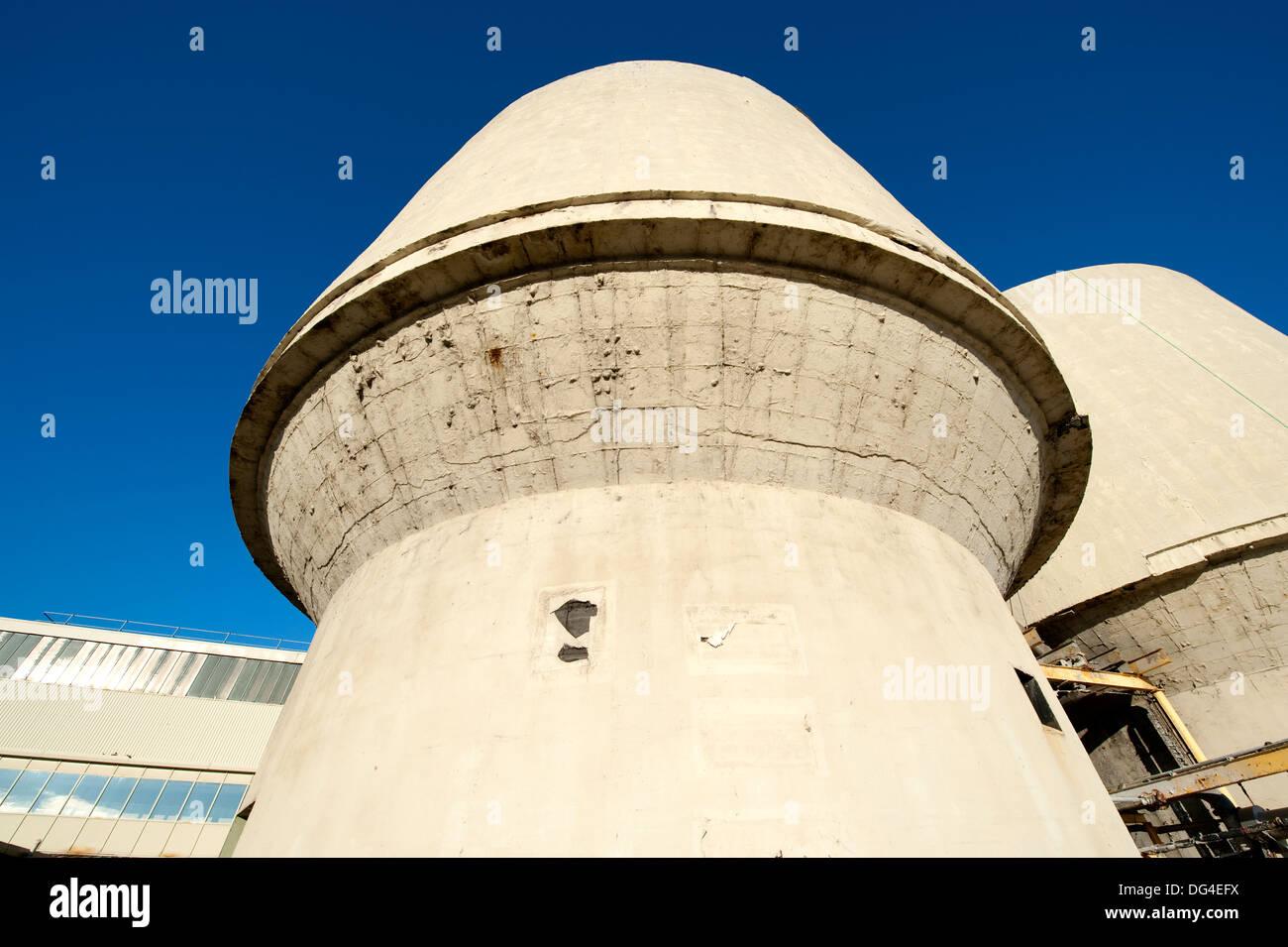 Imposing Threatening industrial architecture - Stock Image