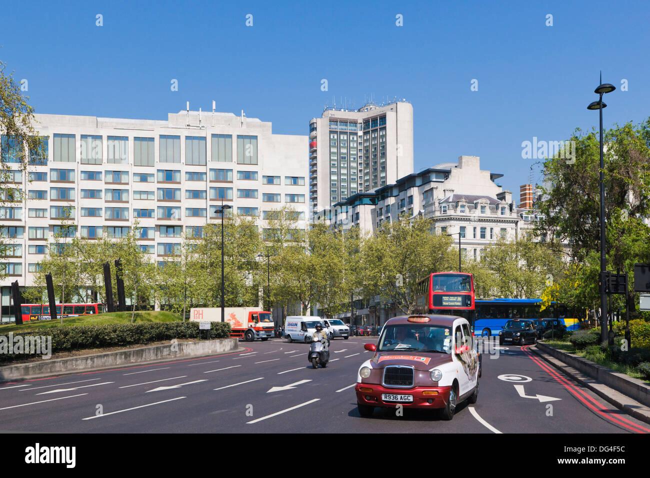 Duke of Wellington Place, Central London, England, UK - Stock Image