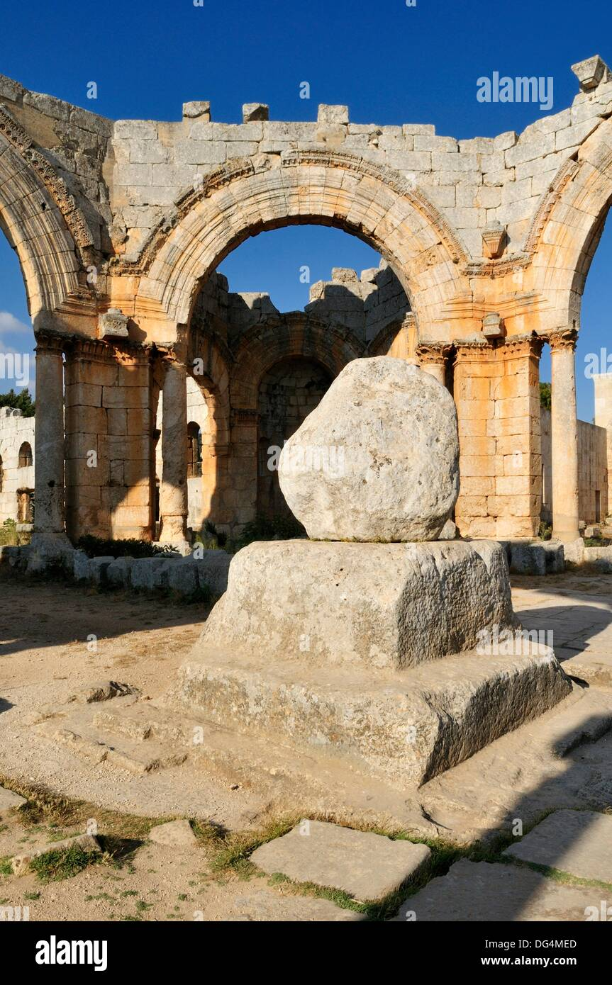 ruin of Saint Simeon Monastery, Qala´at Samaan, Qalaat Seman archeological site, Dead Cities, Syria, Middle East, West Asia - Stock Image