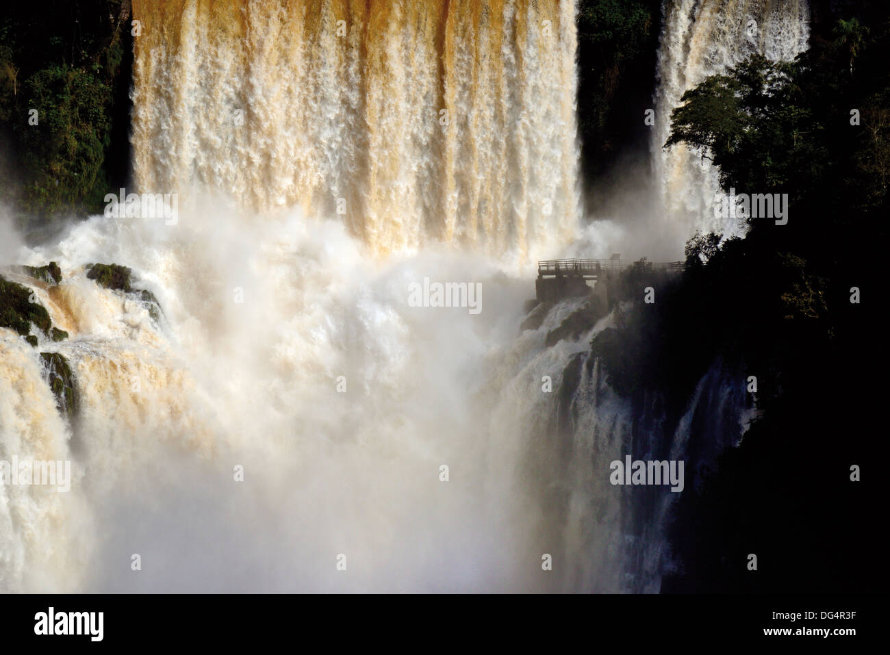 Brazil, Iguassu National Park: Spot of the Iguassu Falls with record water levels - Stock Image
