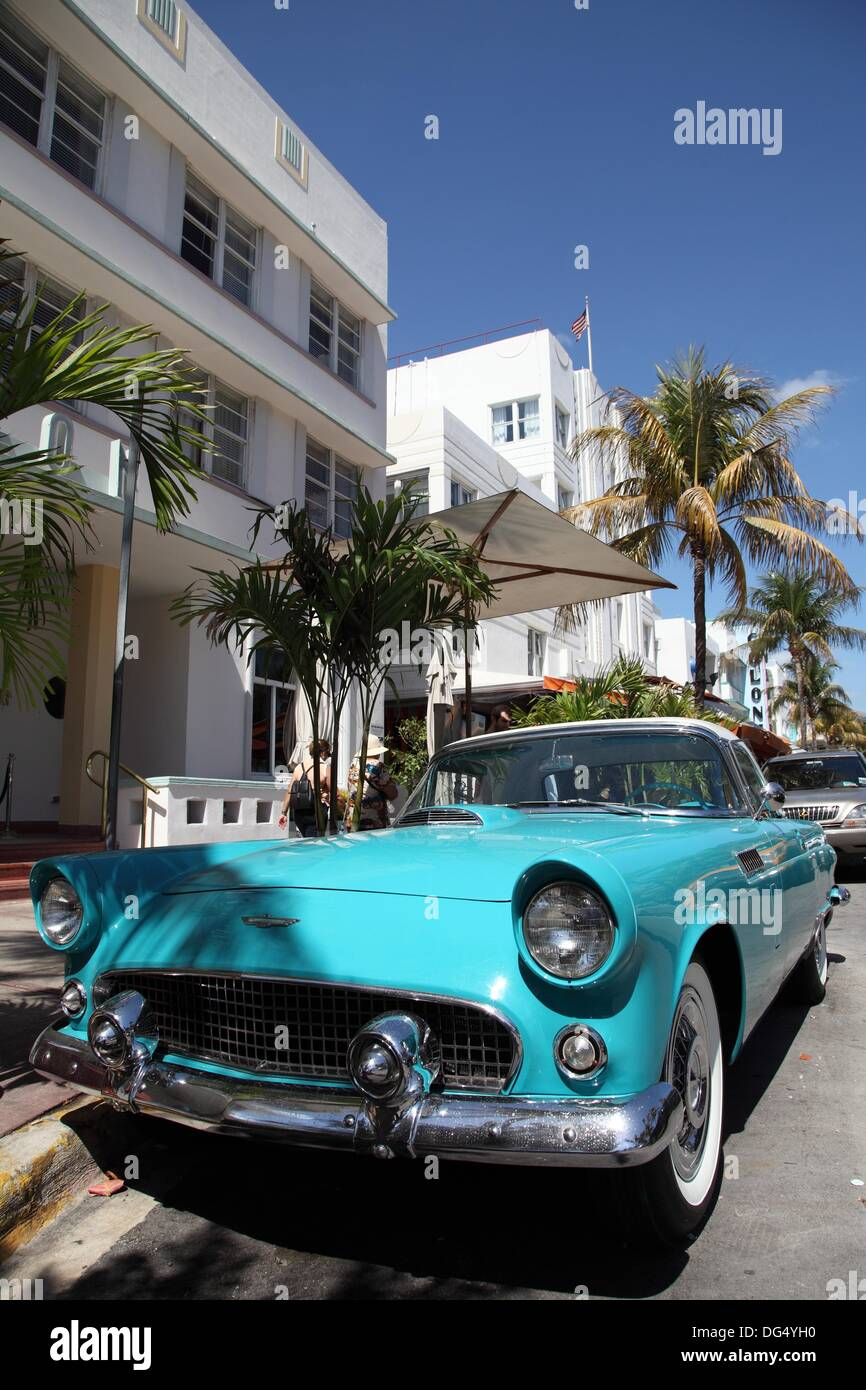 Old car on Ocean Drive, Miami Beach, Florida, USA Stock Photo ...