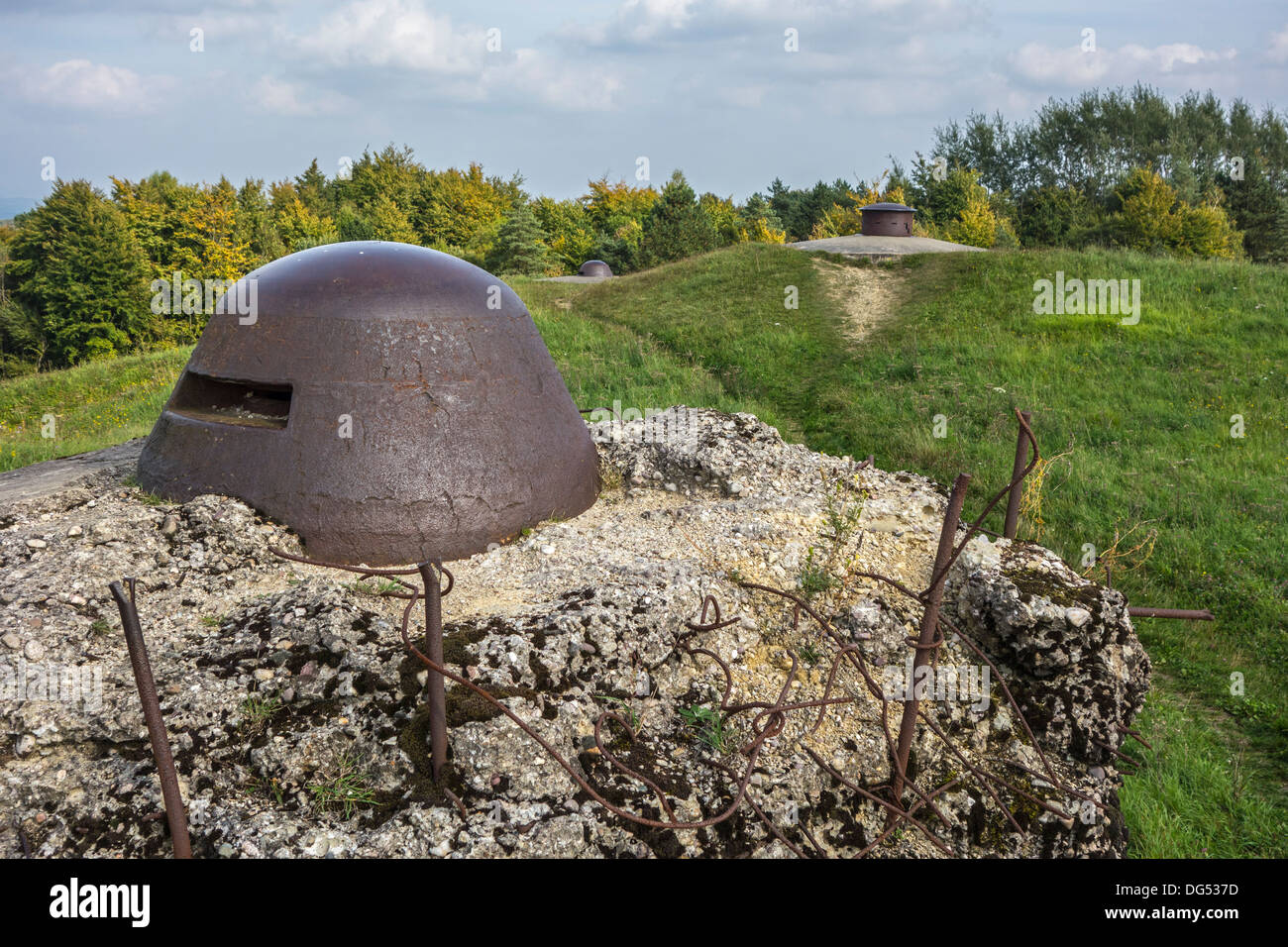 First World War One armoured observation turret and machine gun turrets at Fort de Douaumont, Lorraine, Battle of Verdun, France - Stock Image