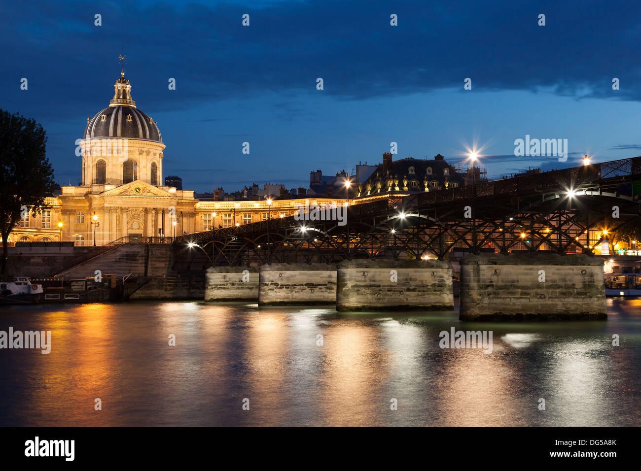 Pont des arts and and institut de France, Paris, Ile de France, France - Stock Image