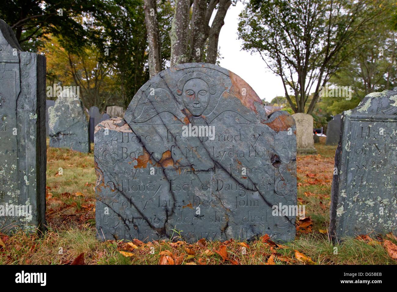Old New England cemetery gravestone, headstone, Plymouth Rock, Massachusetts in autumn - Stock Image