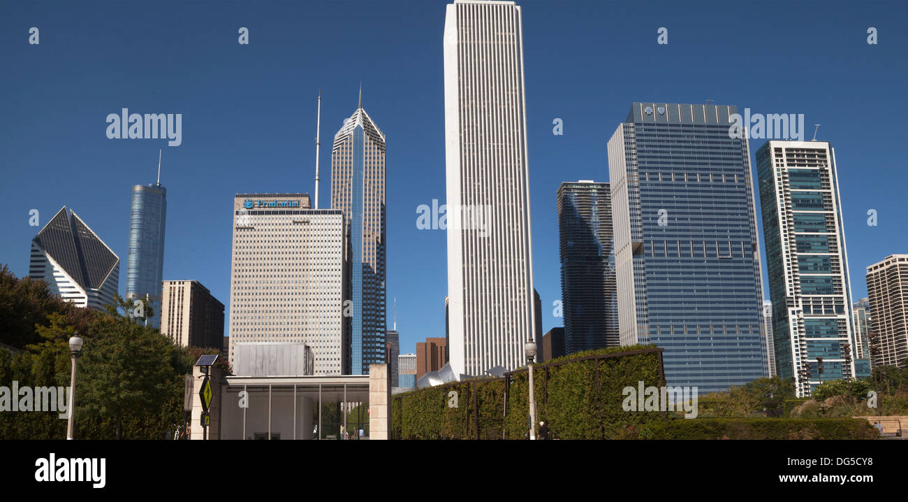 Various styles of architecture can be found in downtown Chicago. - Stock Image