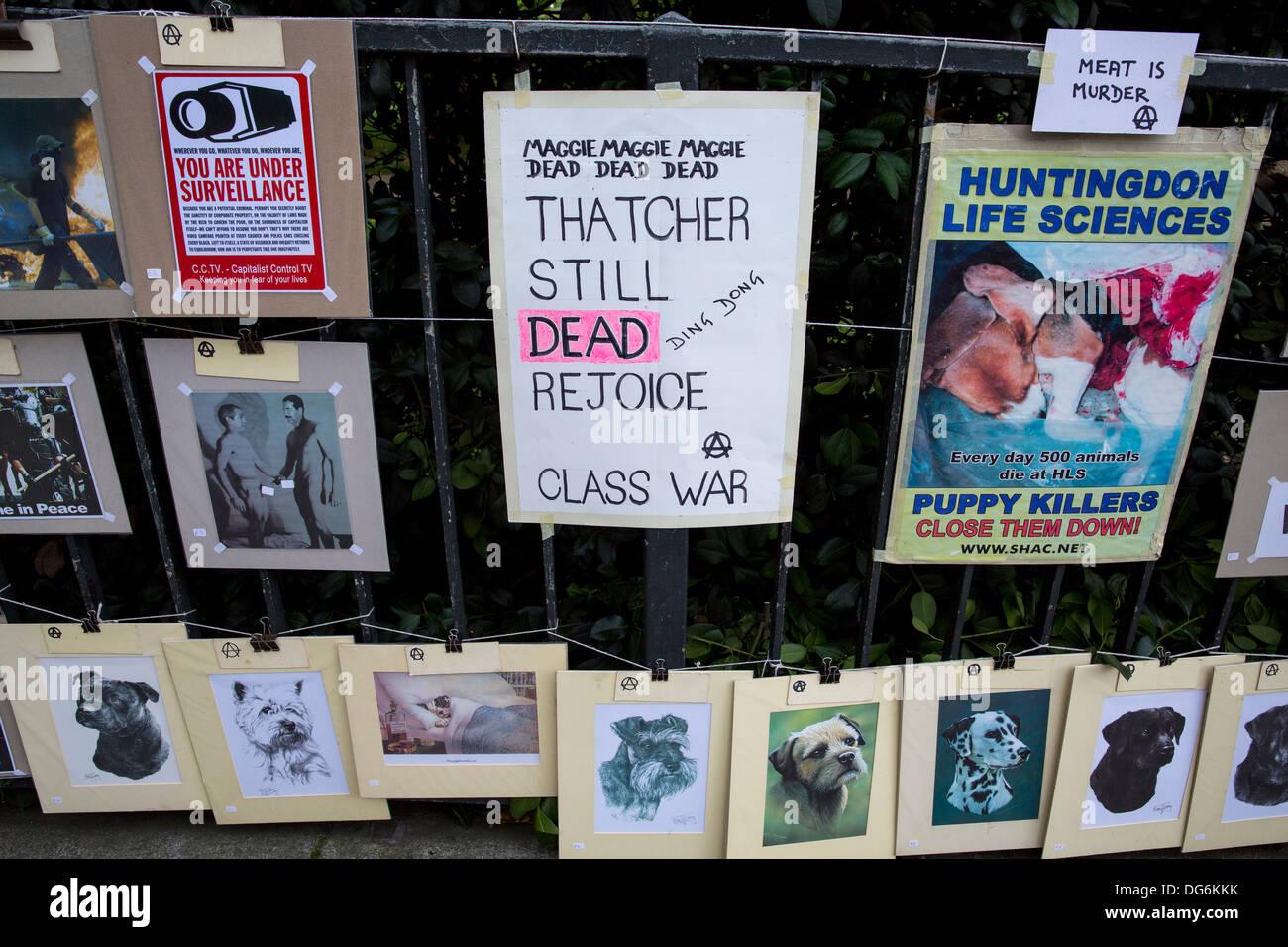 MARGARET THATCHER HANDMADE CLASS WAR PROTEST POSTER - Stock Image