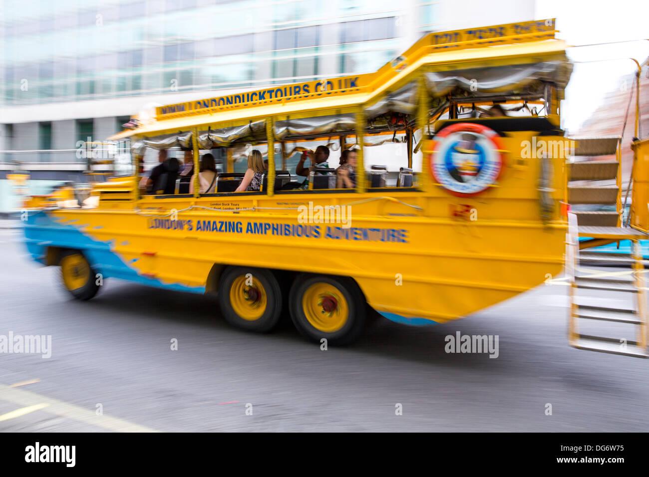 LONDON DUCK TOURS amphibious vessel - Stock Image