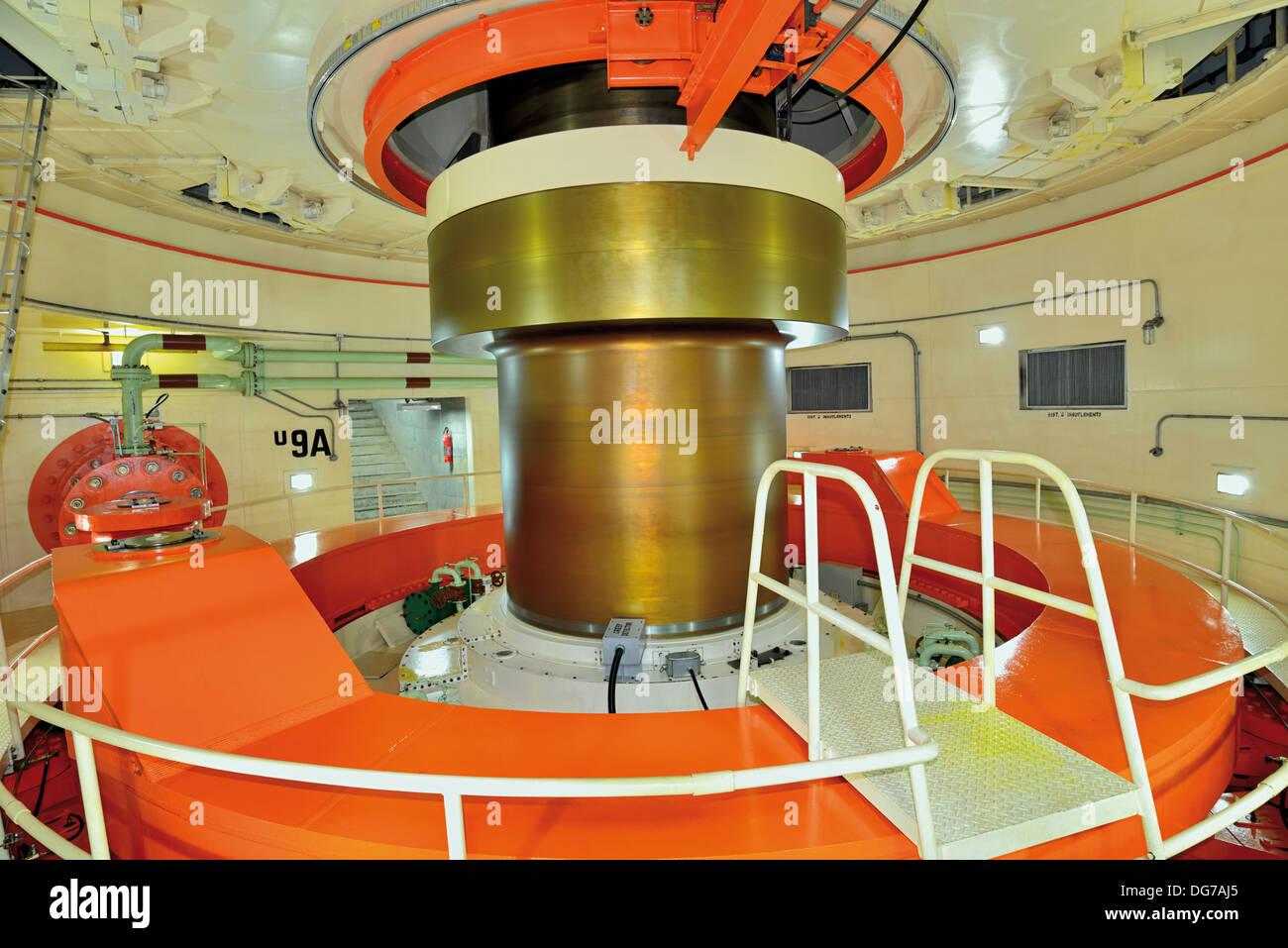 Brazil, Foz do Iguacu: Turbine 9 A is one of the 20 turbines producing 700 Megawatts each of Itaipú Dam - Stock Image