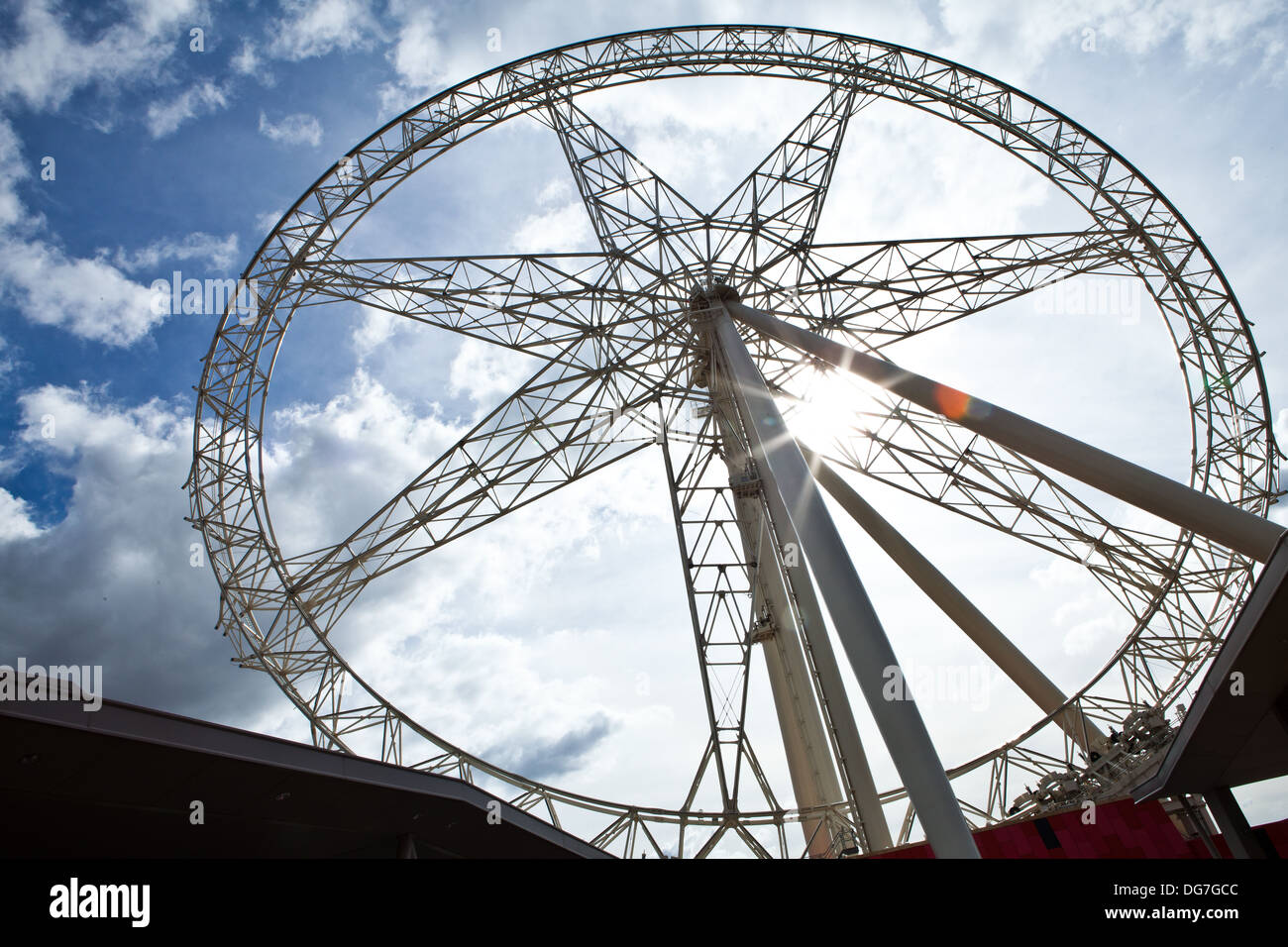 Southern Star wheel under repairs in Docklands Melbourne - Stock Image