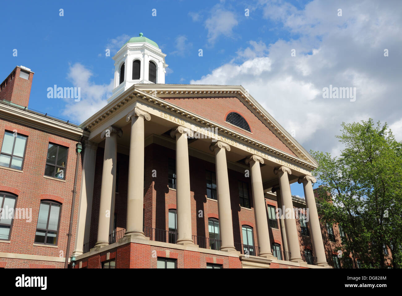 Cambridge, Massachusetts in the United States. Famous Harvard University - Edward Mallinckrodt chemical laboratory. - Stock Image