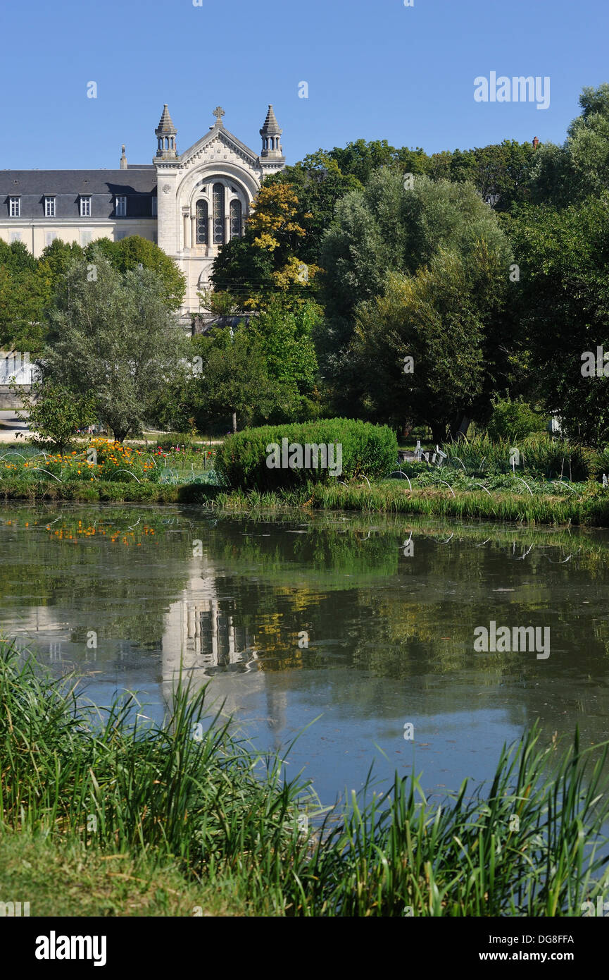 Convent of the Sisters of Charity in front of the Marshes in Bourges, Cher department, Berry province, region of - Stock Image