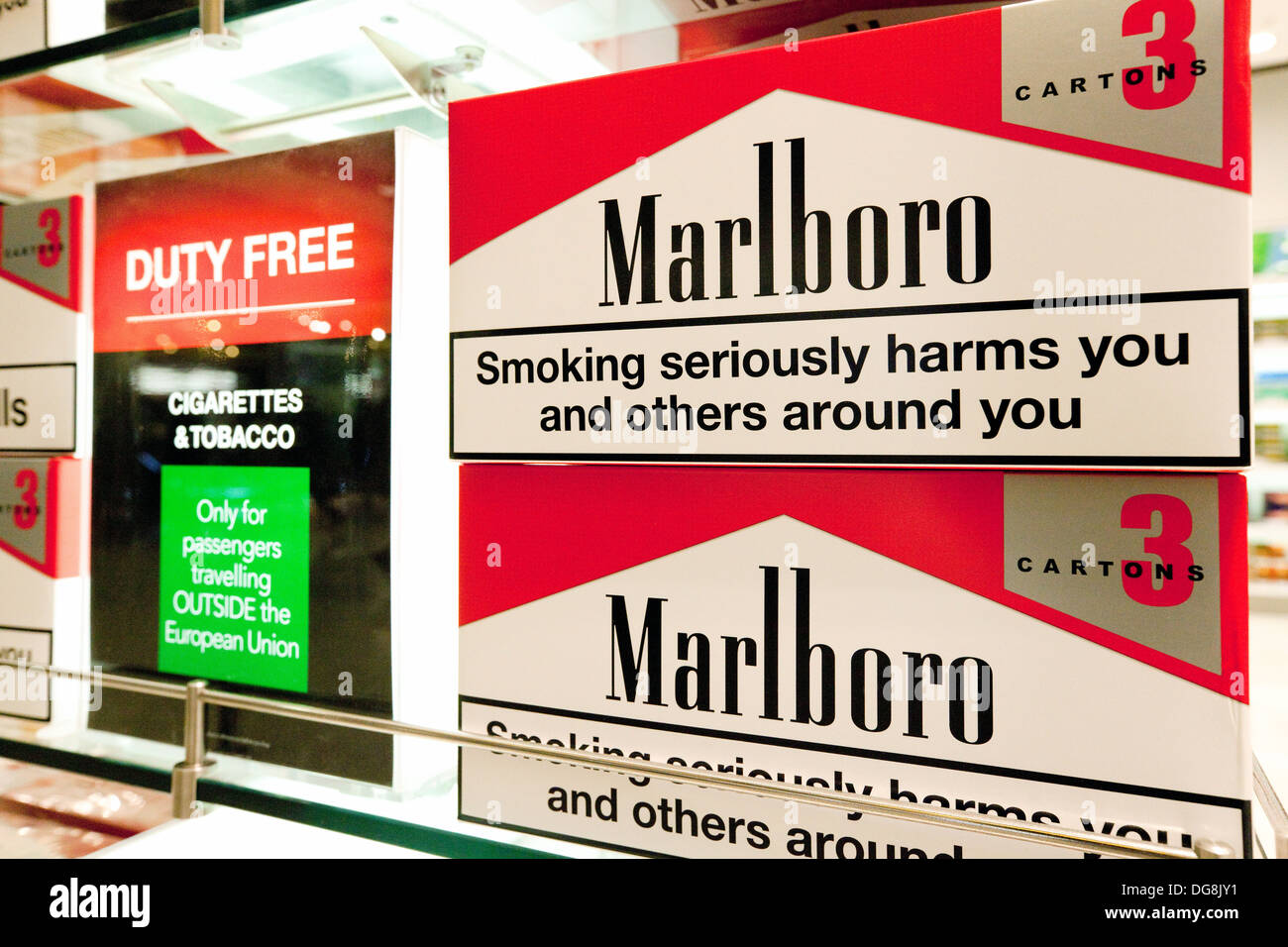 Buy cheap cigarettes Marlboro ship to London