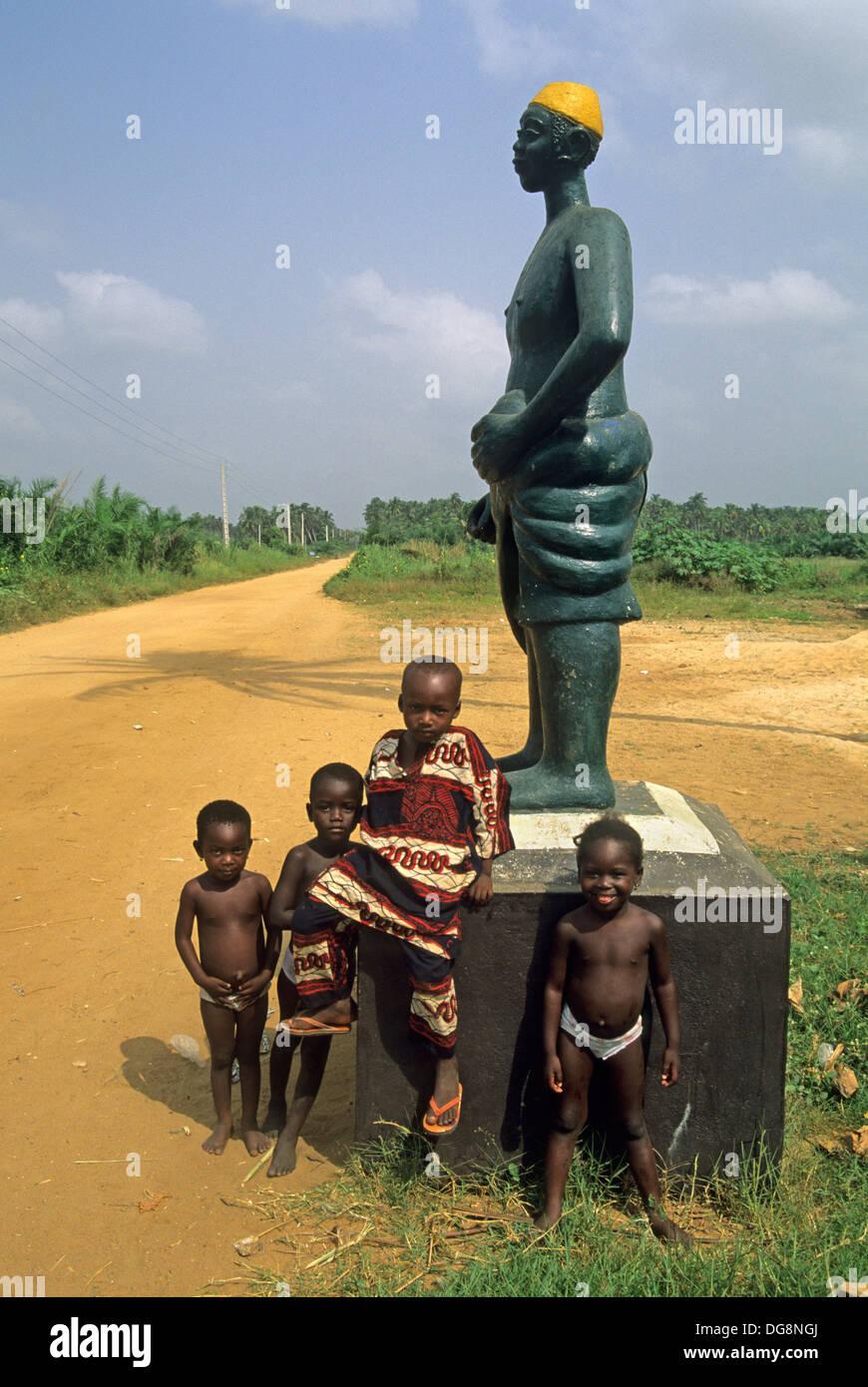"""Résultat de recherche d'images pour """"bénin route des esclaves"""""""