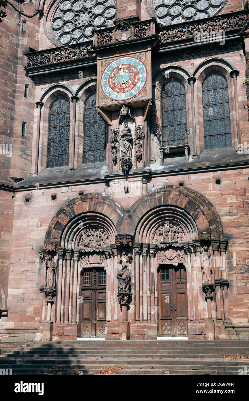 Elk213-1215v France, Alsace, Strasbourg, Cathedral Notre Dame de Strasbourg, south entry doorway - Stock Image