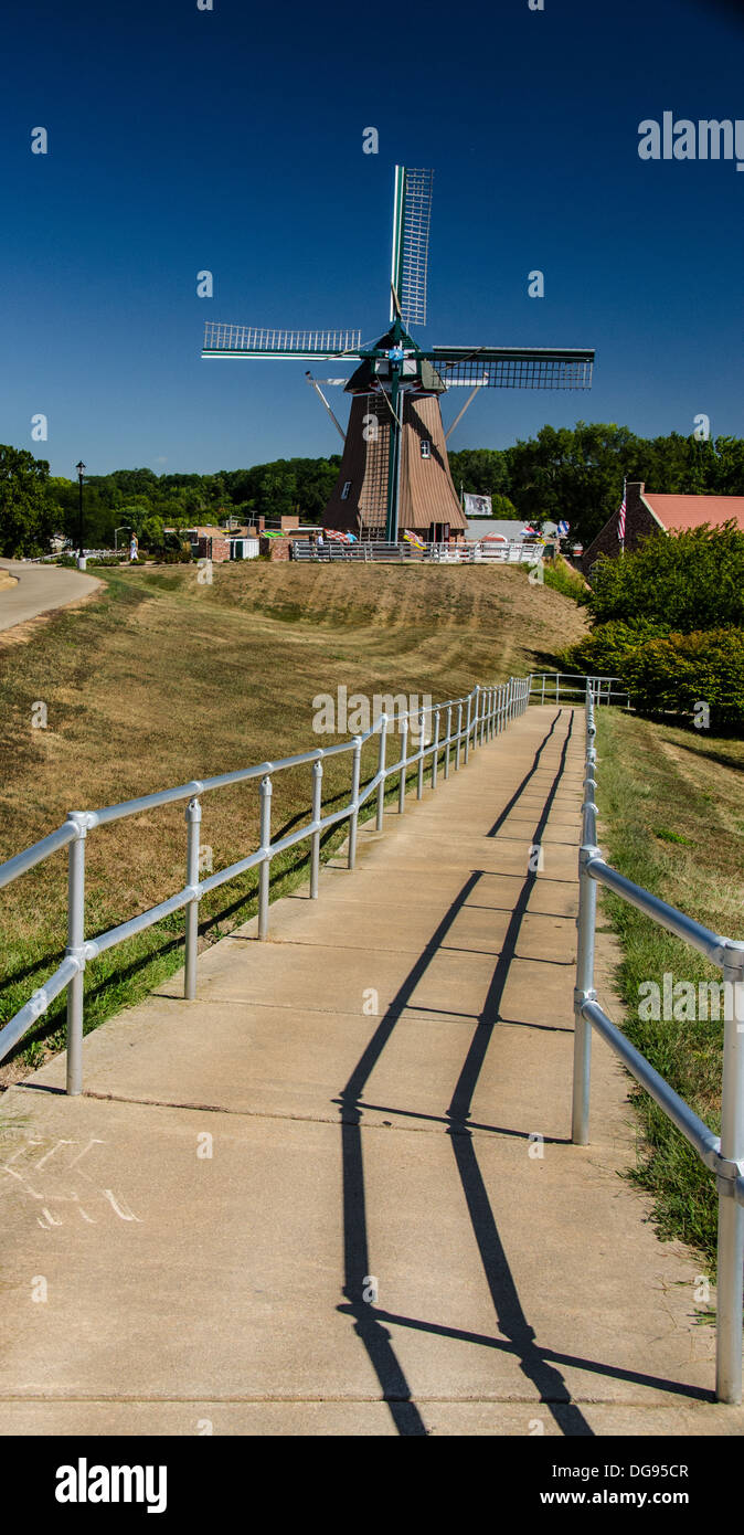 Pathway to the De Immigrant Windmill in Fulton, Illinois, a town along the Lincoln Highway - Stock Image
