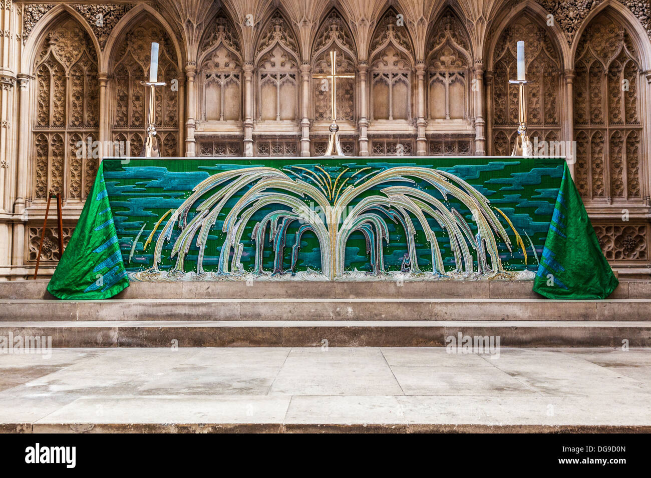 The Trinity Altar Frontal in Bath Abbey, inspired by Revelations 22:1 and made by Jane Lemon and The Sarum Group. - Stock Image