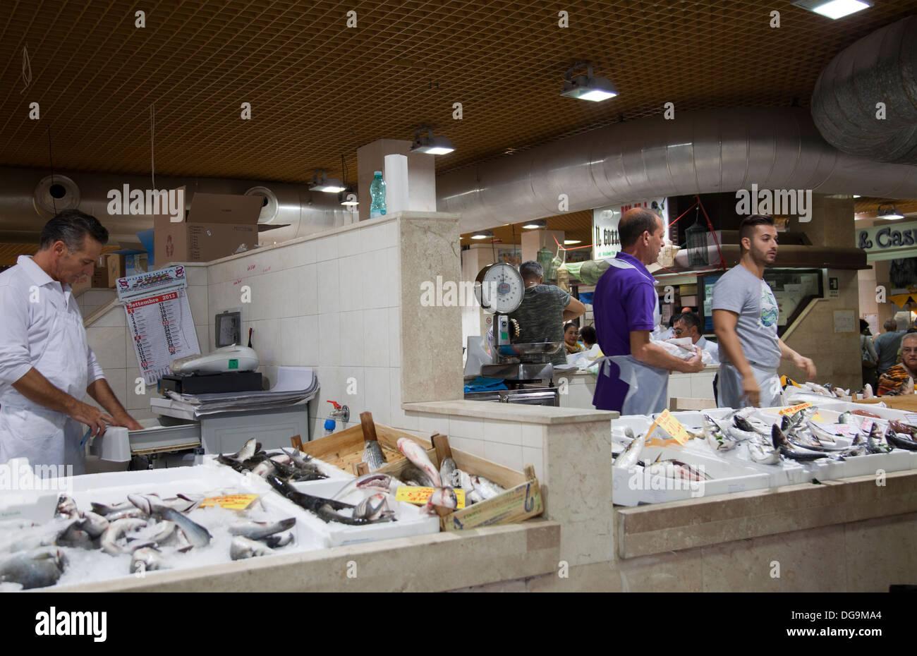 Mercato Comunale di San Benedetto in Cagliari - Fish - Sardinia - Stock Image