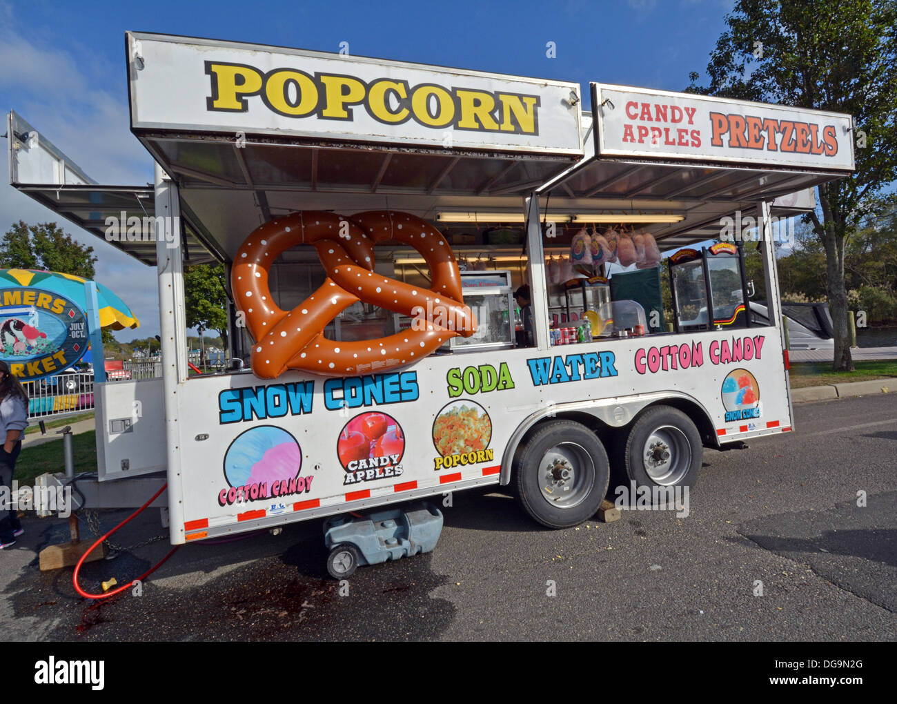 A food trailer with a large plaster salted pretzel at a fair in Riverhead, Long Island, New York - Stock Image