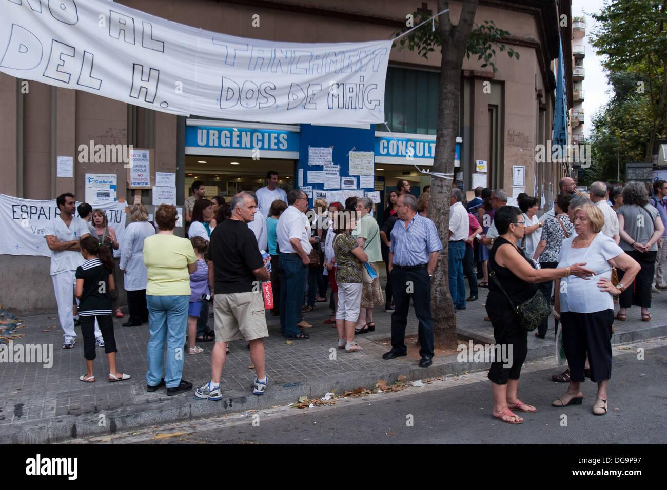 Closure protests Hospital Dos de Maig, Barcelona, Spain - Stock Image